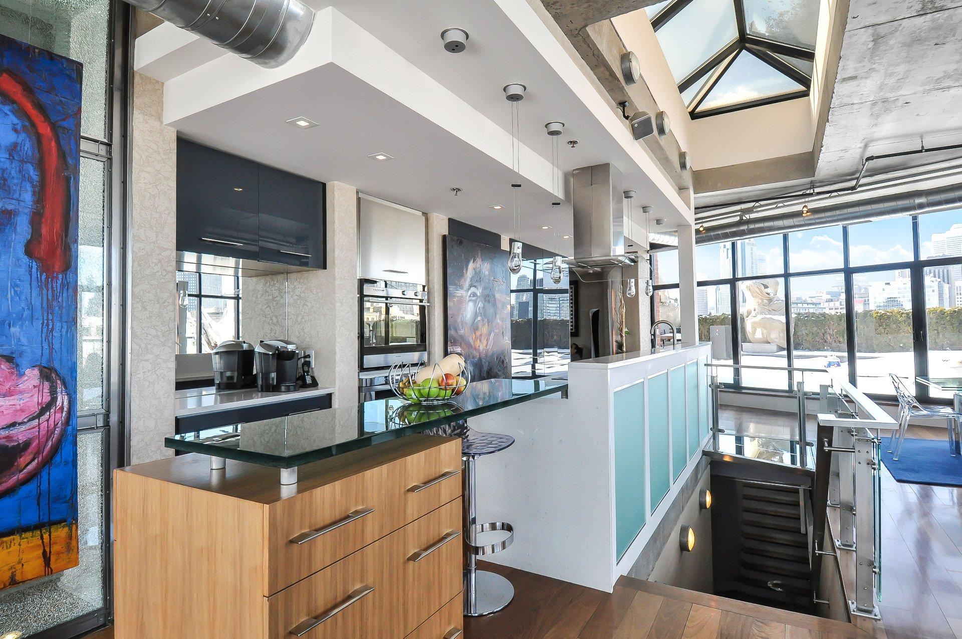 Terutama Rawatan Ini Adalah Berkaitan Dengan Dapur Yang Sempit Di Mana Disebabkan Oleh Lebar Bilik Kecil Mustahil Untuk Masuk Dan Perabot